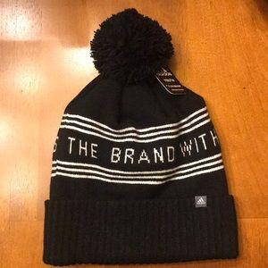 NWT Adidas Climawarm beanie black Youth/ adult